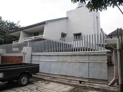 film hantu villa angker 10 tempat paling angker di indonesia yang menyeramkan