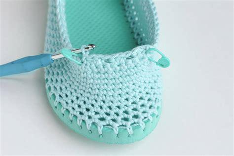 slipper soles for crochet slippers free crochet slipper pattern flip flops 11 make do crew