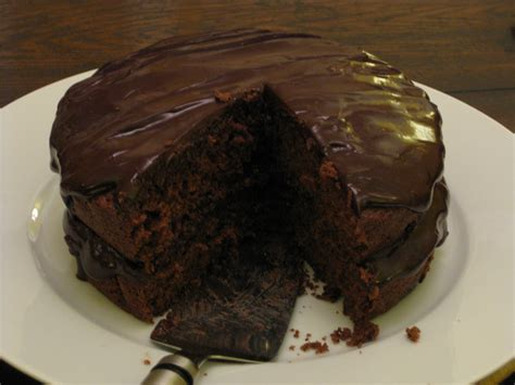 best chocolate frosting for cake fudge ing up the chocolate cake beesteas