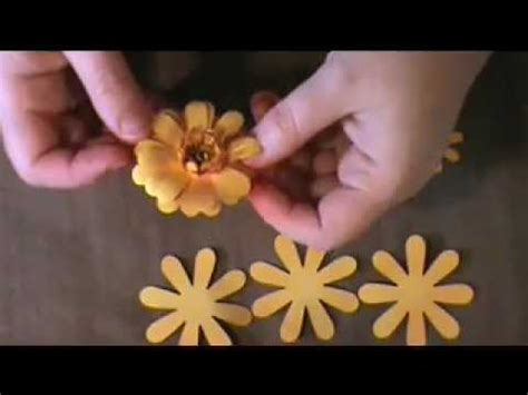 How To Make Paper Daisies - uppsie paper flower tutorial
