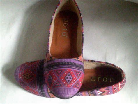 Sepatu Wanita Grosir 8 sepatu wanita batik harga grosir murah grosir sandal sepatu murah