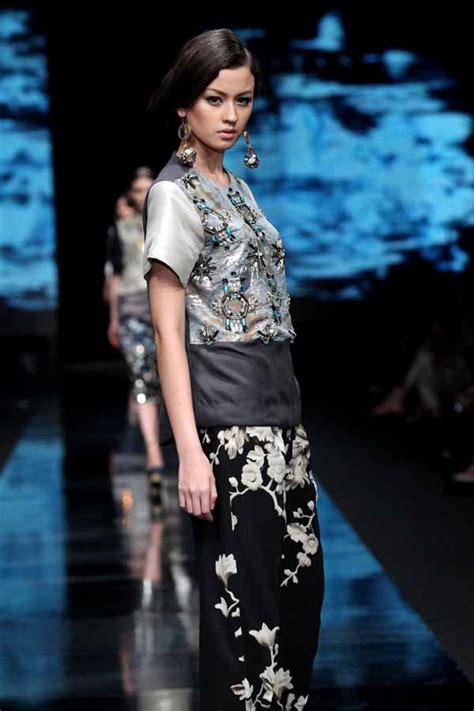 design fashion indonesia jakarta fashion week 2012 biyan fashionwindows network