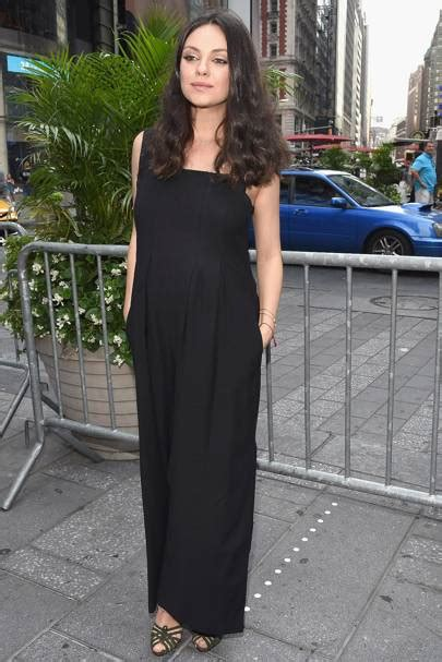 celeb pregnancy news pregnant celebrity stylish celebrities maternity