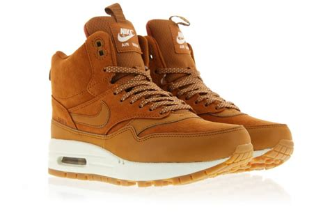 nike wmns air max 1 mid snkrbt shoes 685267 200 basketball shoes basketball shoes for