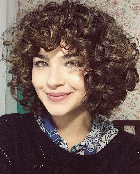 how to curl short layered hair short layered curly hair with bangs medium hair