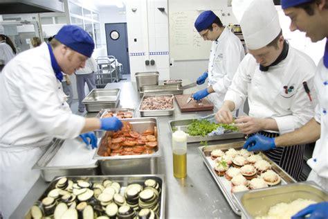 kitchen in a day un d 237 a en el departamento de cocina y operaciones les