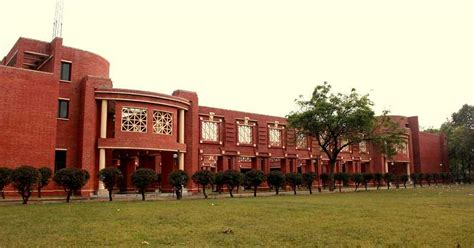 Iim Lucknow 1 Year Mba by Iiml Program For Working Executives And Professionals Wmp