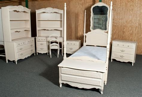 9 piece bedroom set 9 piece children s stanley bedroom set