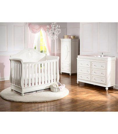 Disney Princess Convertible Crib Disney Princess Magical Dreams 4 In 1 Convertible Crib By Delta Children White Ambiance