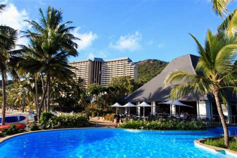 hamilton island accommodation hotels deals great the resort centre showing sails restaurant and the reef