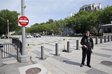shooting at the white house secret service shoot armed man outside the white house and leave him in critical
