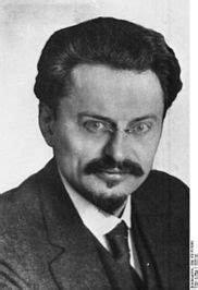 leon trotsky author   revolution betrayed