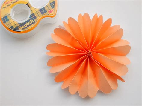 Steps For Paper Flowers - easy diy for your accordion paper flowers