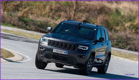 Jeep New Grand 2020 by 2020 Jeep Grand Srt Specs 2019 2020 Jeep