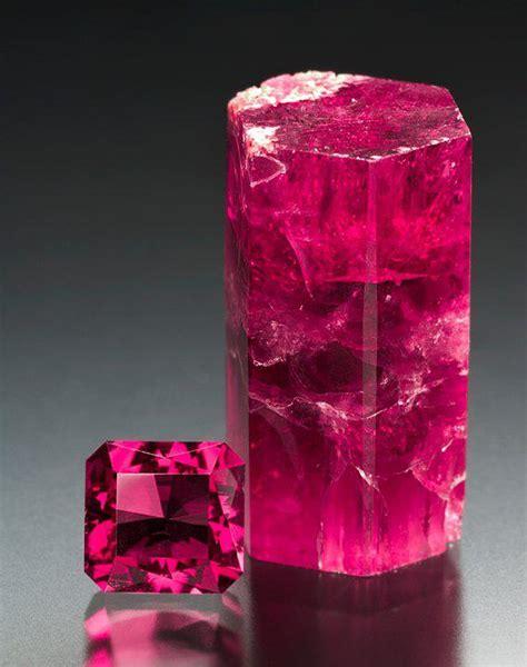 Pink Beryl Bixbite 7 80ct beryl cystal gemstone utah bluff park back porch