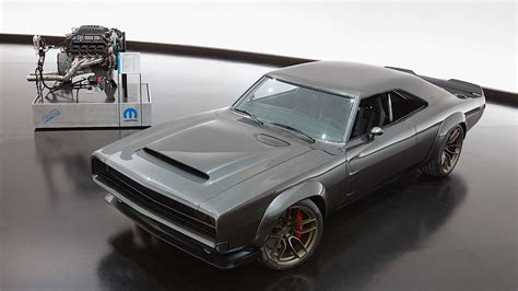 Dodge Charger 1000 Hp by Hellcats Of Sema Mopar Drops 1 000 Hp Hellephant Crate
