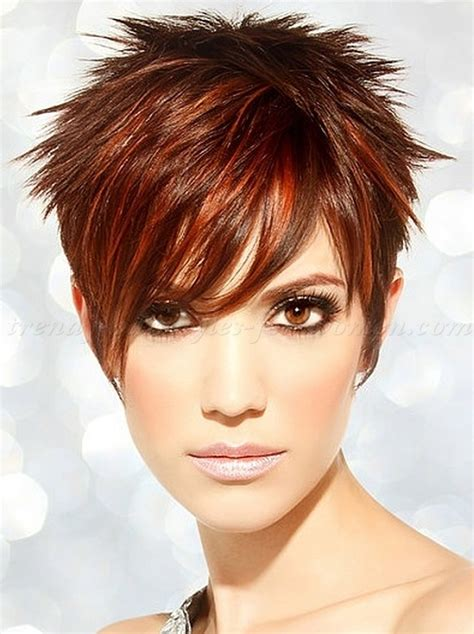 imsges of spiked sort hair parted in middle short hairstyles short spiky hair for women trendy
