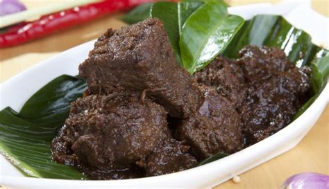 nikmatnya masakan rendang sumatera barat backpacker jakarta