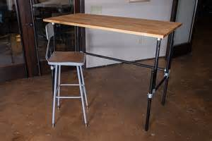 Diy Standing Desk Plans Iron Yard Adjustable Standing Desk Good Ideas Diy