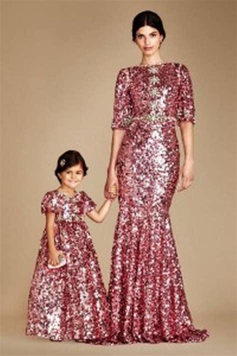 Pakaian Kembar Ibu Dan Anak baju kembar ibu dan anak ide model busana