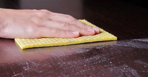 eiken tafelblad schoonmaken teakhouten tafel behandelen met groene zeep