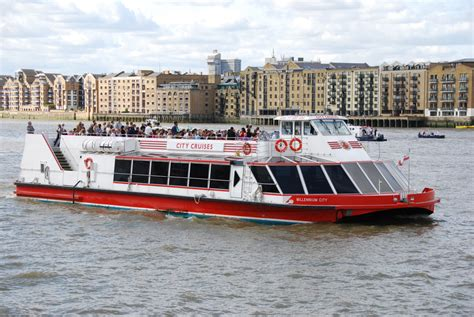 thames river cruise hop on hop off attractiontix city cruises sightseeing tours images southwark london