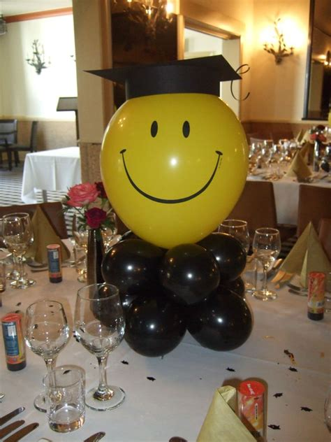 Graduation Table Decoration Ideas by Graduation Display Table Graduation Table Decoration Graduation