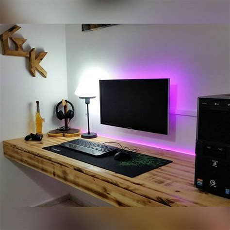 Pc Desk Setup 25 Best Ideas About Gaming Computer Desk On Gaming Setup Gaming Desk And Computer