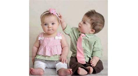 Baju Bayi Kembar Lucu bikin gemash 10 potret penilan lucu bayik kembar mau punyaa dagelan