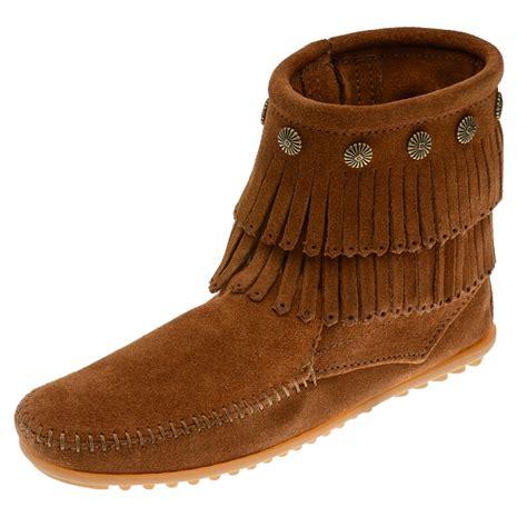 minnetonka moccasins boots minnetonka moccasins 692 s fringe boot