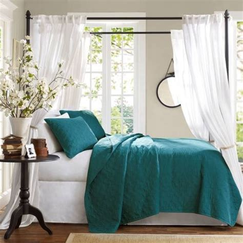 superb brown and teal bedroom ideas greenvirals style decorate with the blue and teal shades of the caribbean