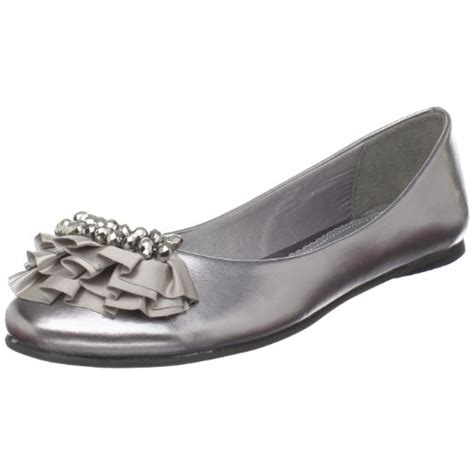 Silver Flats For Wedding by Looking For Silver Flats For Bridesmaids Weddingbee
