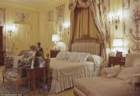 donald trump bedroom inside president elect trump s mar a lago resort where he