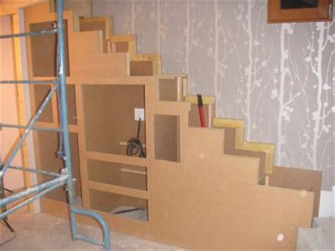 Fabriquer Un Escalier Avec Des Caissons by Fabriquer Meuble Escalier Table De Lit A Roulettes