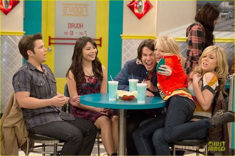 emma stone on icarly emma stone icarly sneak preview watch now photo