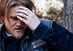 how to get the jax teller hair look what styling hair products jax teller uses charlie hunnam