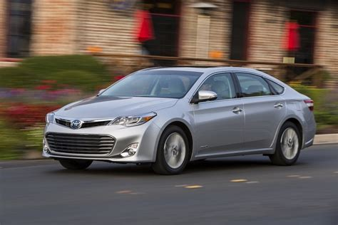 2015 Toyota Avalon Reviews 2015 Toyota Avalon Hybrid Xle Premium Review Carsquare