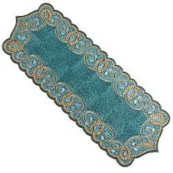 beaded scallop table runner