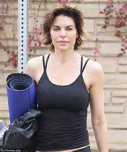 lisa rinna weight off middle section hair lisa rinna weight off middle section hair lisa rinna her