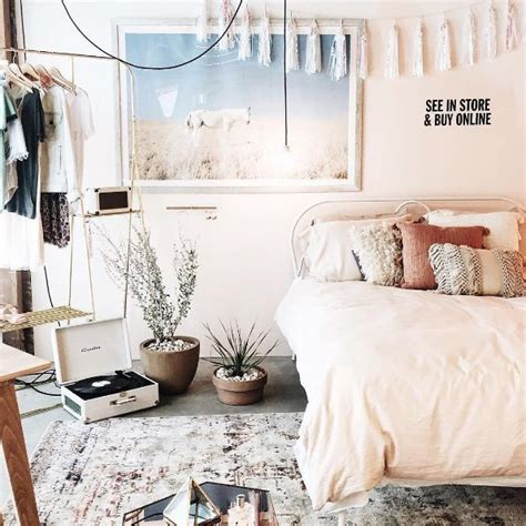 Outfitters Inspired Bedroom best 25 outfitters bedroom ideas on bedroom cozy room and desk space
