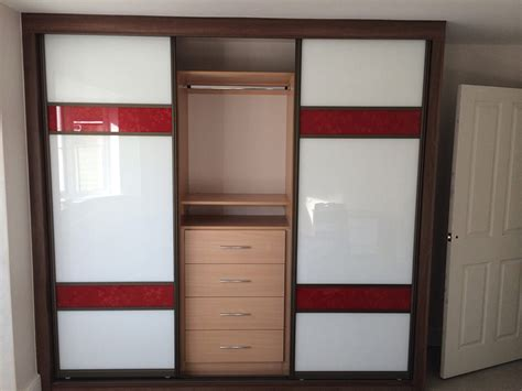 Diy Sliding Wardrobe Doors Uk by Mirror Image Diy Fitted Wardrobes 4 Things To Consider
