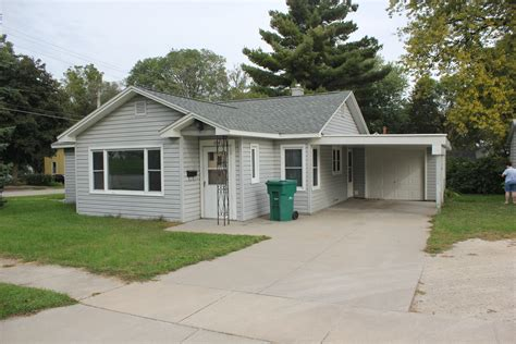 houses 3 bedroom spotless 3 bedroom house w garage and carport for rent independence iowa wapsie rentals