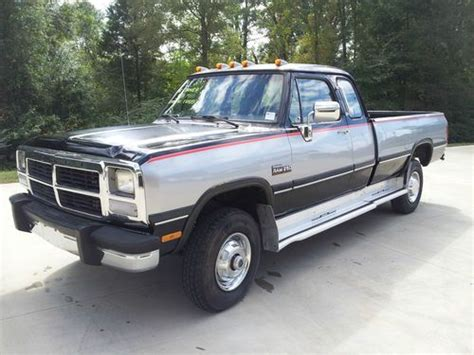 car engine manuals 1993 dodge d250 auto manual service manual 1993 dodge d250 cab air filter removal 1992 dodge w250 pickup reg cab 8 ft