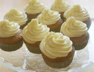 buttercreme kuchen rezept vanillecupcakes mit buttercreme rezept ichkoche at
