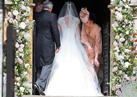all the details of pippa middleton s wedding to james all the details on pippa middleton s wedding dress