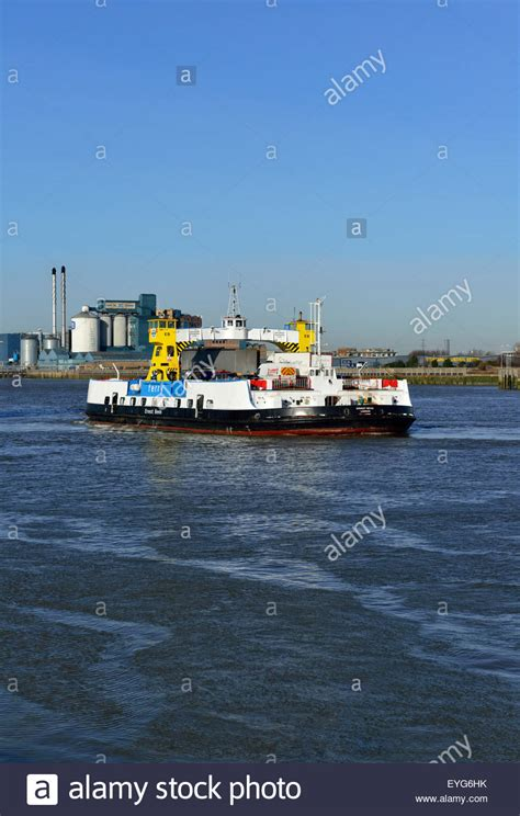 thames river ferry london woolwich free vehicle ferry thames river london united
