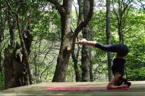imagenes de yoga al aire libre yoga tambi 233 n al aire libre fitness el mundo