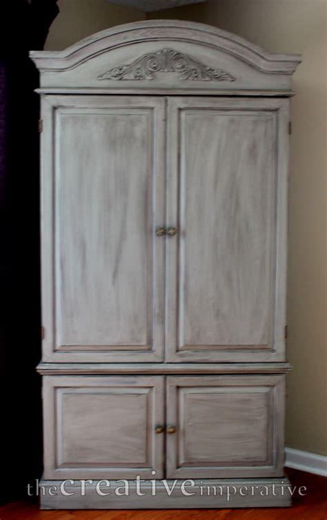 armoir but but armoire
