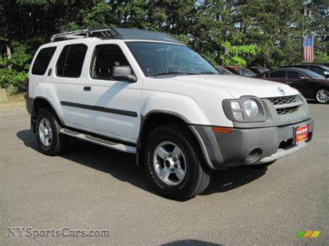 white nissan 2004 2004 nissan xterra xe 4x4 in avalanche white photo 4