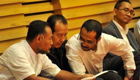 Pembajakan Demokrasi pemilihan kepala daerah melalui dprd bentuk korupsi politik dalam demokrasi indopolitika